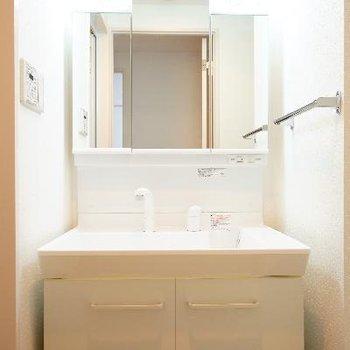 洗面台も機能的♪