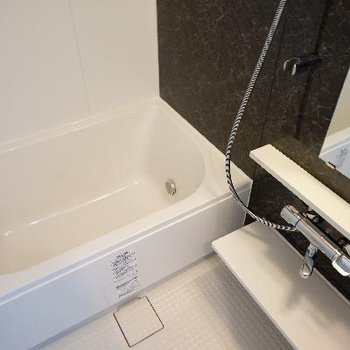 お風呂は追い炊きと乾燥機が付いてます!