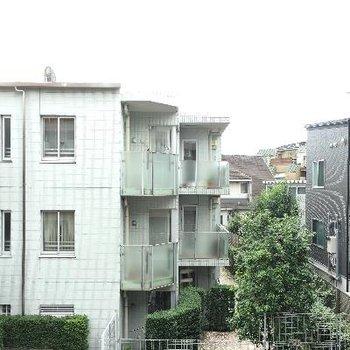 景色です。閑静な住宅街が広がっていますね!