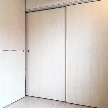 2階は扉もきっちり締められます。