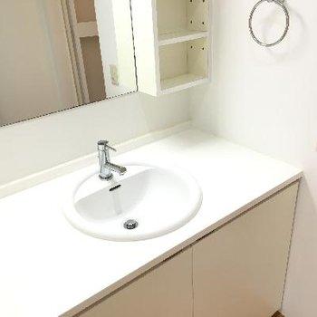 丸くて可愛い洗面器です。
