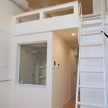 階段も比較的登りやすい。*写真は別室です