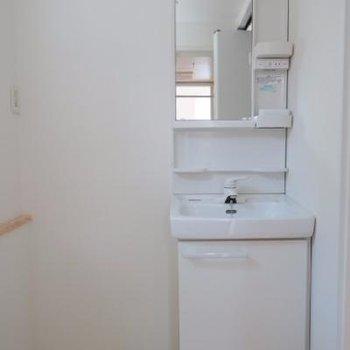 スリムな洗面台*写真は別室です