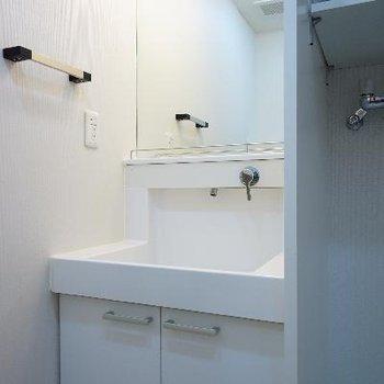 洗面台もゆったりサイズ♪