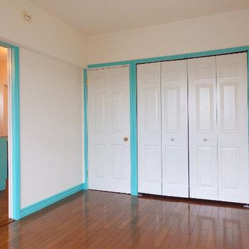 リビング隣の居室