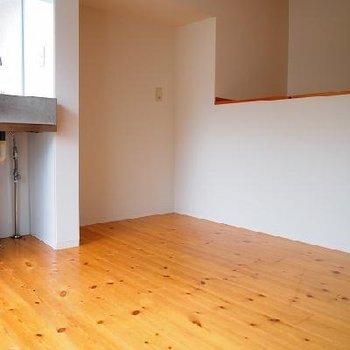 ゆったりスペースです。※写真は別室です