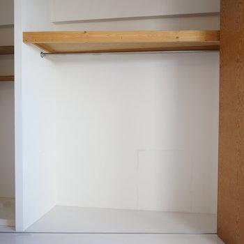 収納スペースなんです!! 2面採光で明るさ、風通りよし ※写真は別部屋