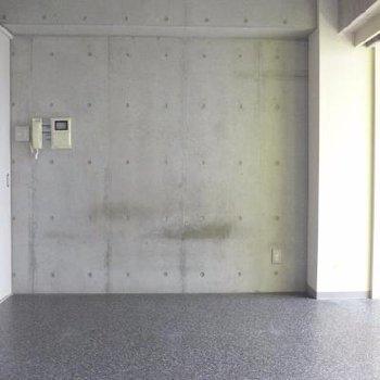 コンクリートの壁!
