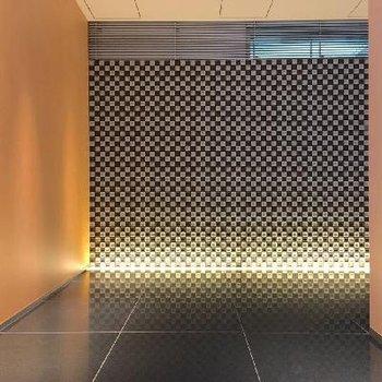 気分高まるエレベーターホール。