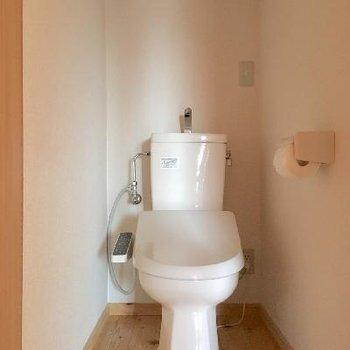 そして!2階にもトイレがあるんです!昇り降りしなくても良いですよ◎