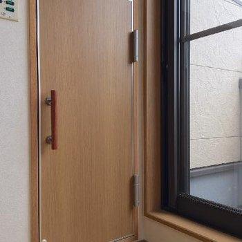 おや、この扉はなんでしょう?