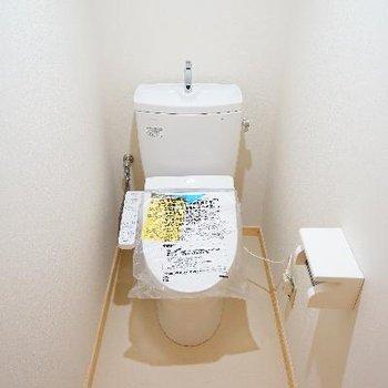 トイレは個室で機能的!清潔!