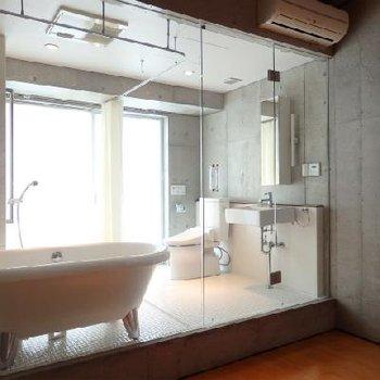 オブジェのような浴室…!