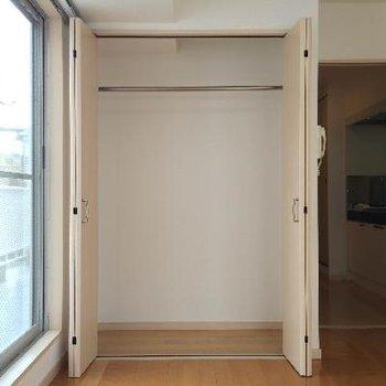リビングにある収納と玄関の靴収納を上手く使いましょう