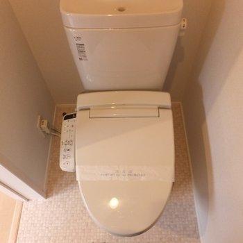 トイレは個室なのがいいですね〜!