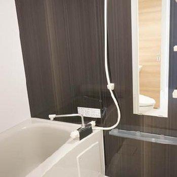 お風呂も広々です。※同じ間取りの別部屋です