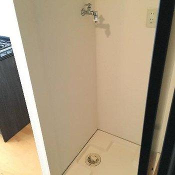 洗濯機置き場がクローゼットに隠れていました!