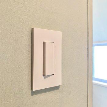 【ディティール】スイッチ周りが新しくなっており、スマートなデザイン。