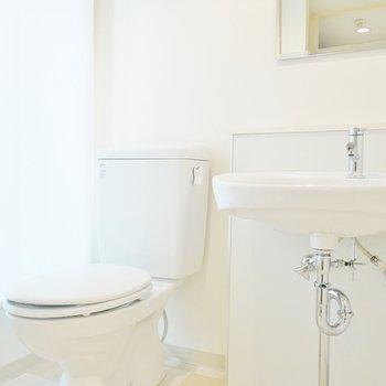 横には、おトイレ。