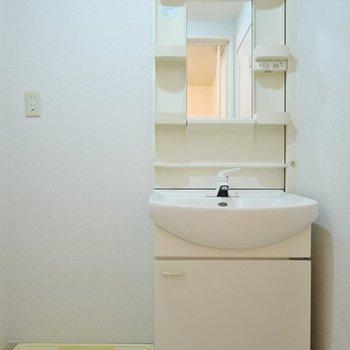 洗面もシンプル。