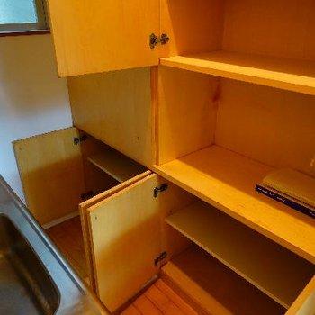 キッチンの裏にはこんなに収納が! ※写真は前回募集時のものです。