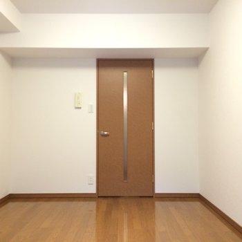 こちらは地下1階のお部屋です