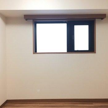 逆側には窓があって嬉しい