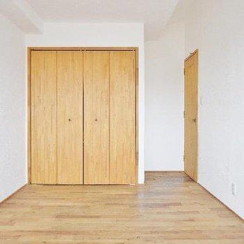 6.5帖の洋室はこんな。※写真は前回撮影時のもの