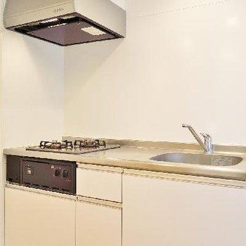 キッチンは調理スペースも確保されています◎