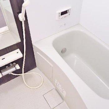 お風呂には追い焚き付きなのです。
