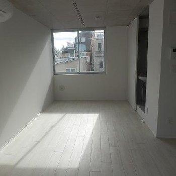 丁度いい採光です※写真は別室です(こちらの写真は前回募集時のものになります。)
