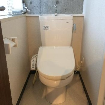 トイレに小窓があるのも嬉しい