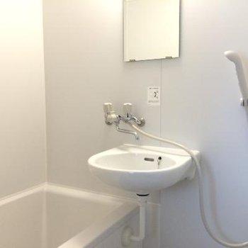 2点ユニット、トイレはお風呂場の手前に