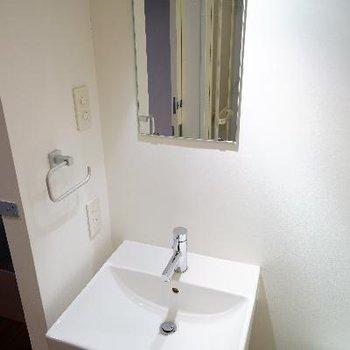 洗面台は独立してます!
