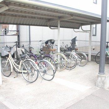 屋根がアナタの大切な自転車を雨から守ってくれます