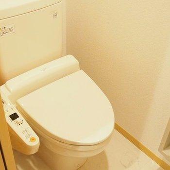 トイレにはペーパーストックも