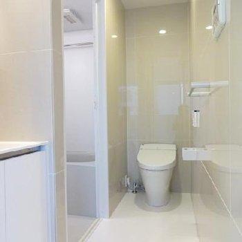 トイレはタイルがかわいい※写真は別室