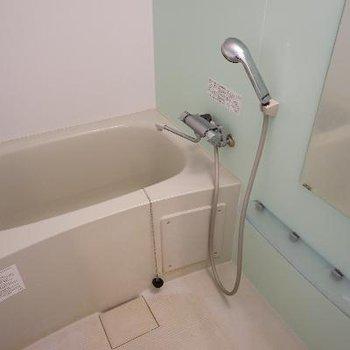 お風呂は乾燥機付き!