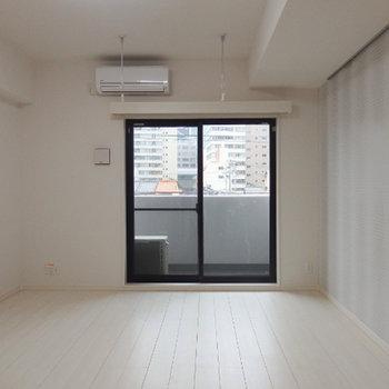 シンプルですが、ゆったりとした居室です