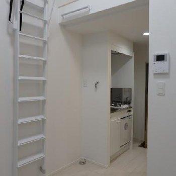 階段が邪魔なときはこのようにできちゃいます。