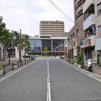すてきな街並み。摂津本山駅。