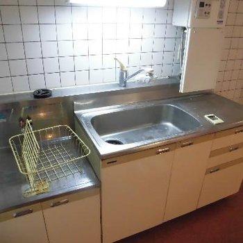 キッチンは調理スペースありのゆったりサイズ*クリーニング中です