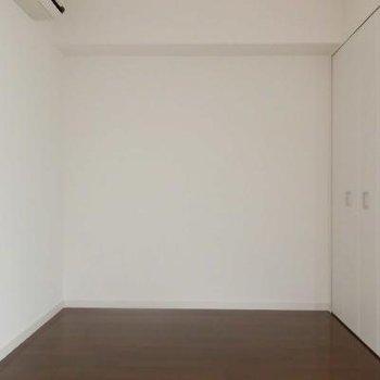 こちらは4.5帖のお部屋ですね