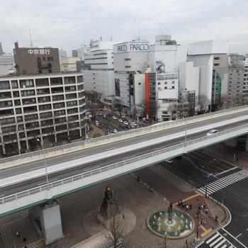矢場町の交差点。この立地は凄い※写真は別部屋(12階)