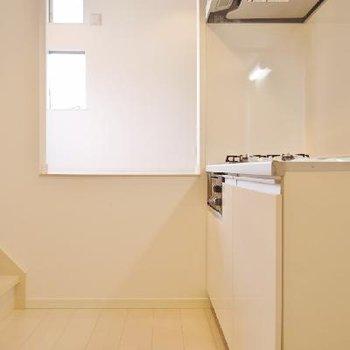 お部屋が高くてキッチンは低い。