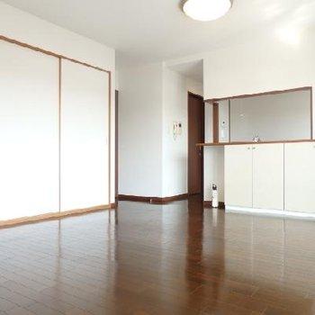 隣は和室です。