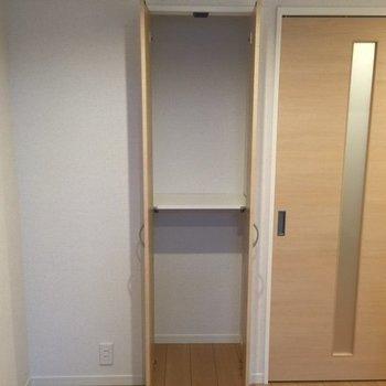 ちょっとした収納スペース※写真は反転タイプの間取りです