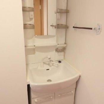 使い勝手が良さそうな洗面台。