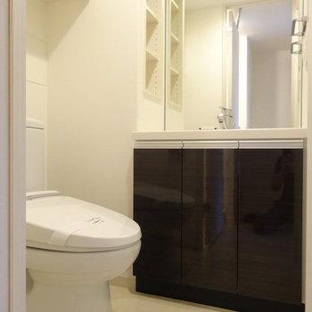 トイレ独立ではないです ※写真は別部屋です