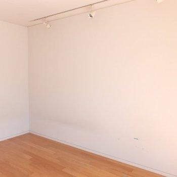 どのお部屋もライティングレール※写真は前回募集時のものです